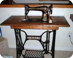 Antique Singer 300x239 Whats the Best Sewing Machine for a Beginner?